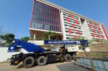 Cranes Loading Solar Panels at CIS Phnom Penh
